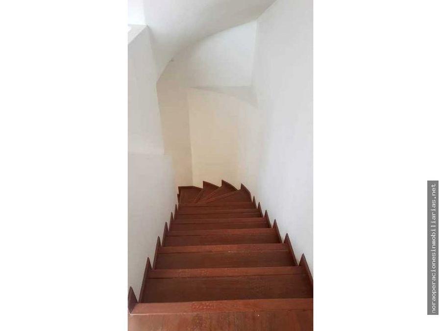 casa esquinera 184m2 pomasqui