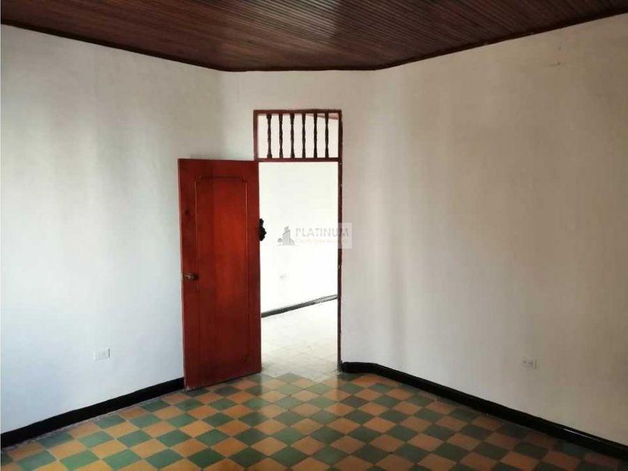casa externa en barrio guayaquil ah
