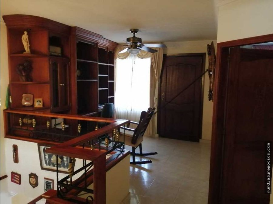 casa hermosa de esquina con amplios espacios 01