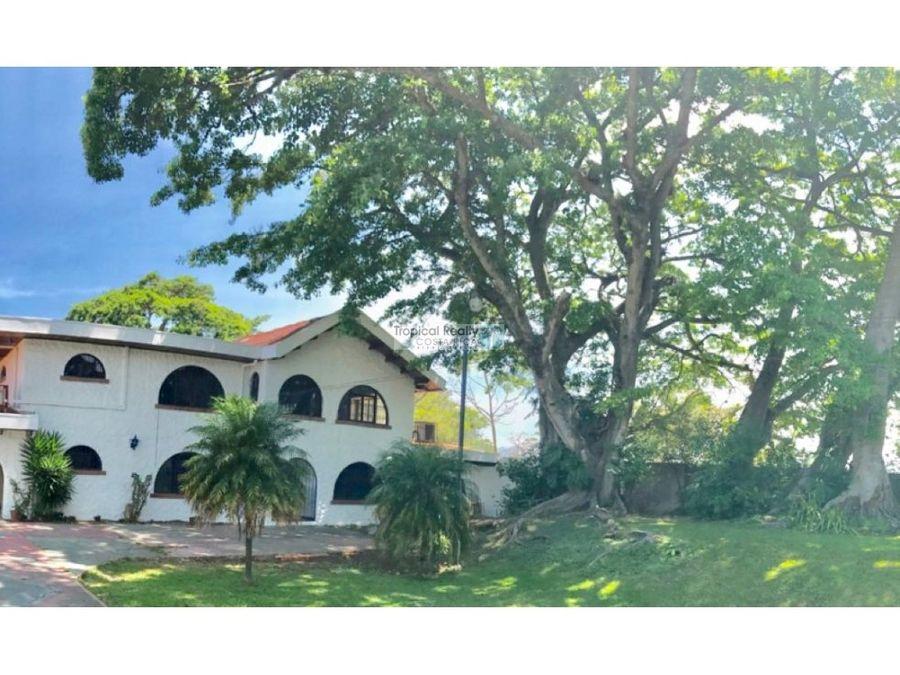 casa independiente en alquiler area social piscina y hermosa vista