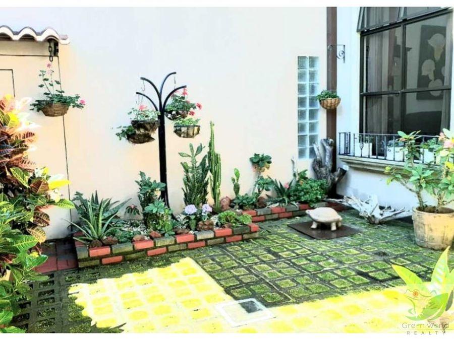 casa lujosa cerca de paseo de las flores heredia