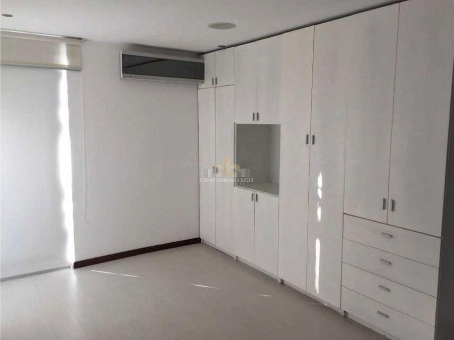 casa moderna con 3 pisos en escazu