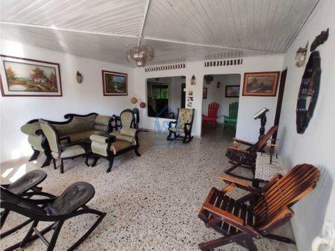 casa muy amplia de 376 m2 en el amparo para venta monteria cordoba