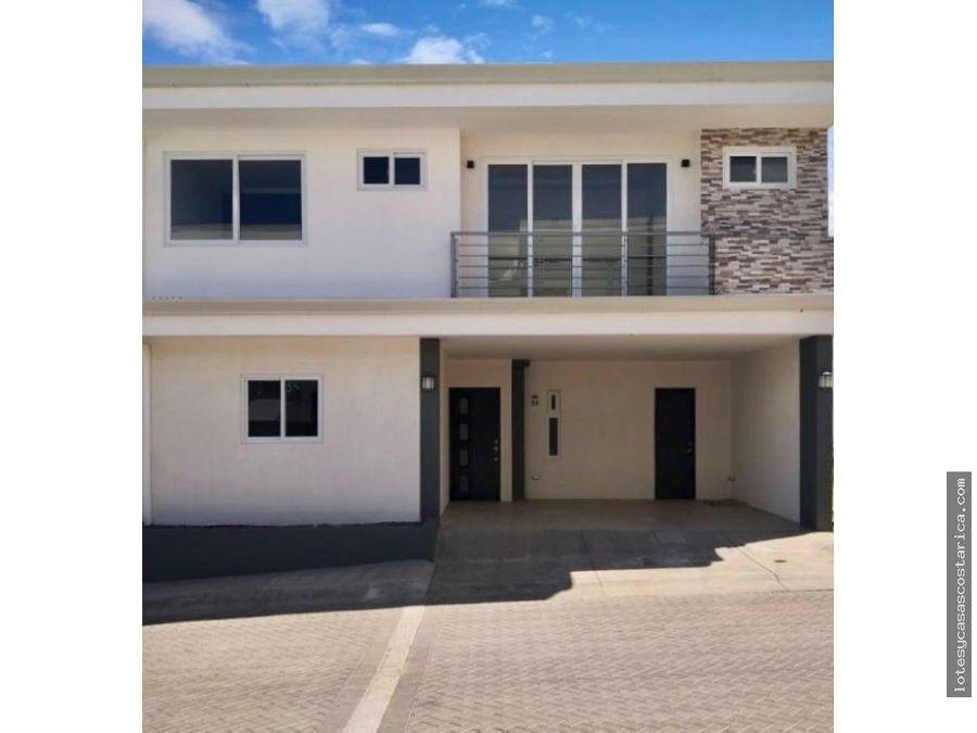 casa nueva para alquiler en condominio