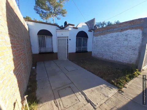 casa sola en privada de una planta arboledas aguas