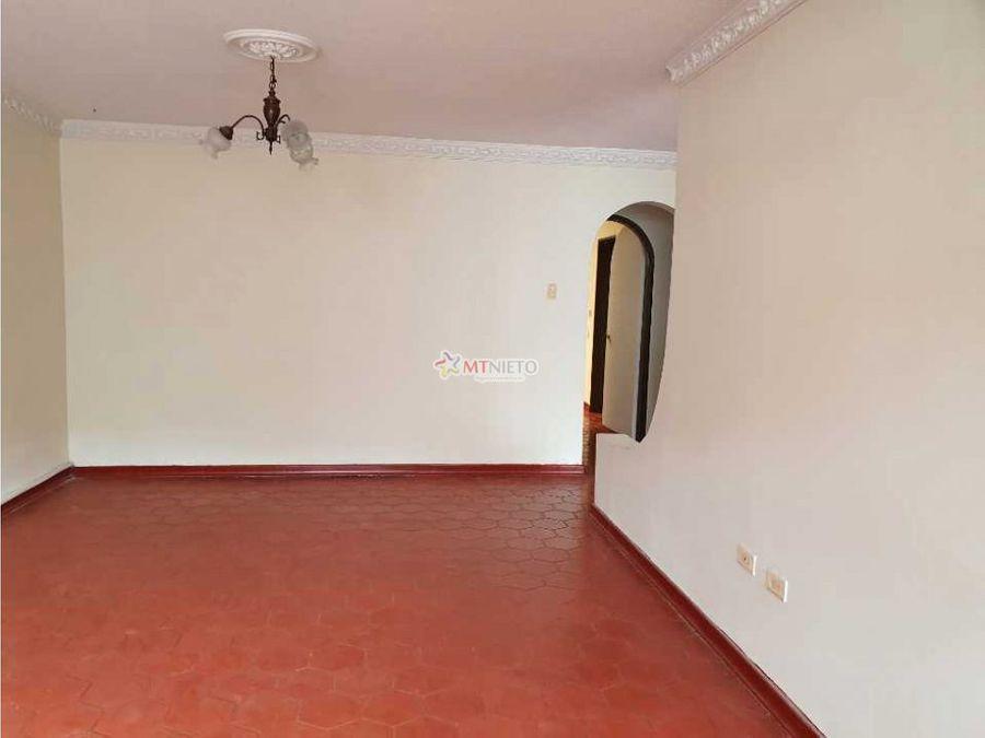 casa de 155 m2 para alquilar a 1 cuadra av bolivar norte