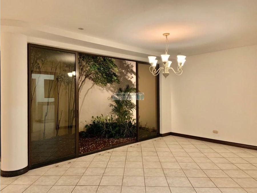 casa para alquiler y venta en condominio ubicada escazu trejos monte
