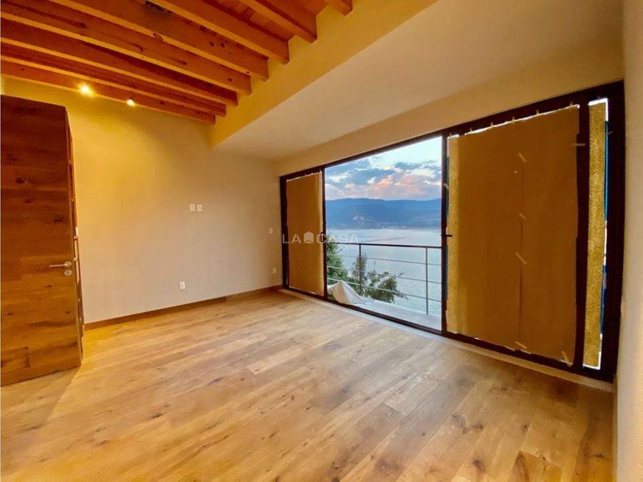casa para estrenar en la pena con acceso al lago