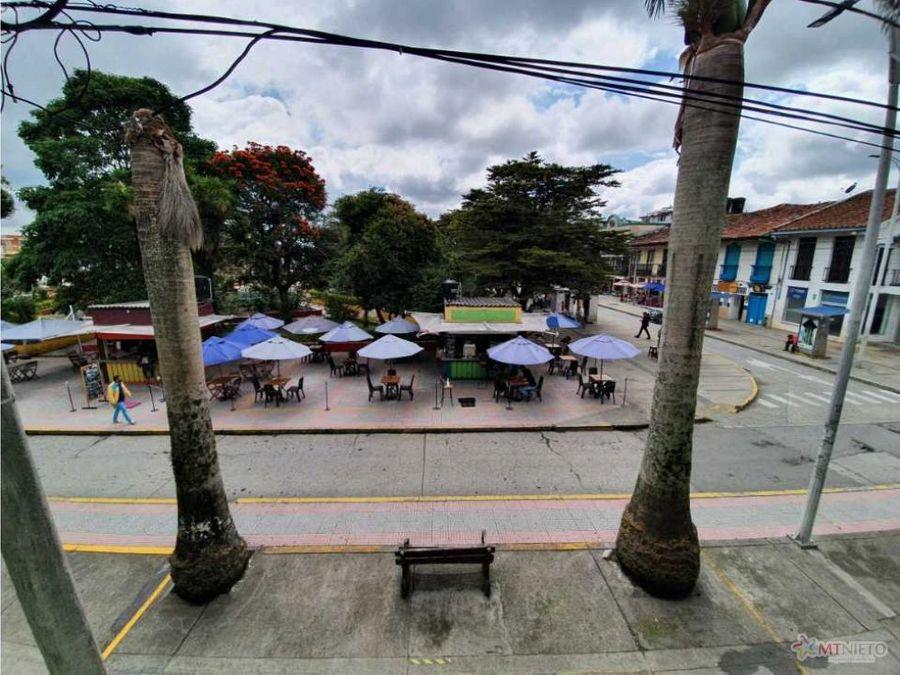 casa 250 m2 vocacion comercial parque principal circasia