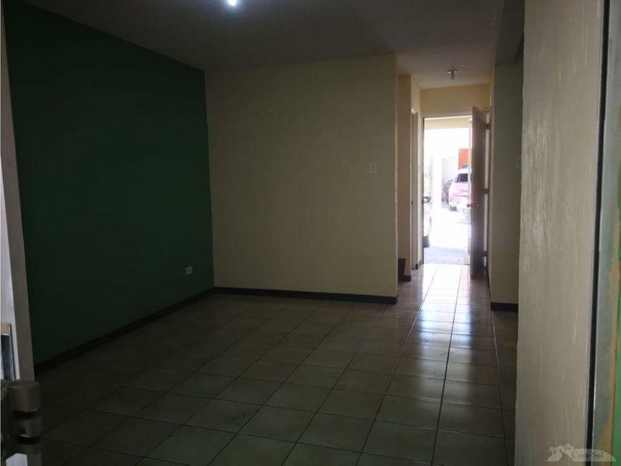 casa zona 17 d