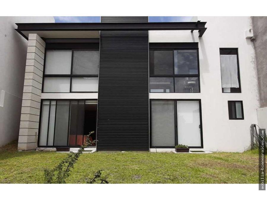 casa zibata en renta amueblada enorme jardin 30000