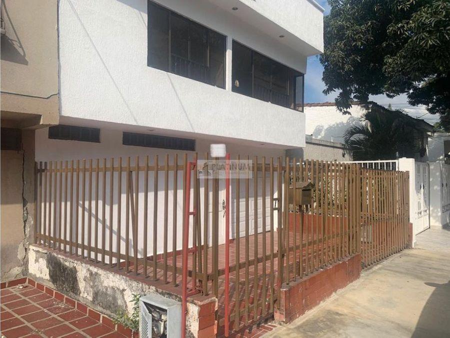 casa externa en venta en la flora tc