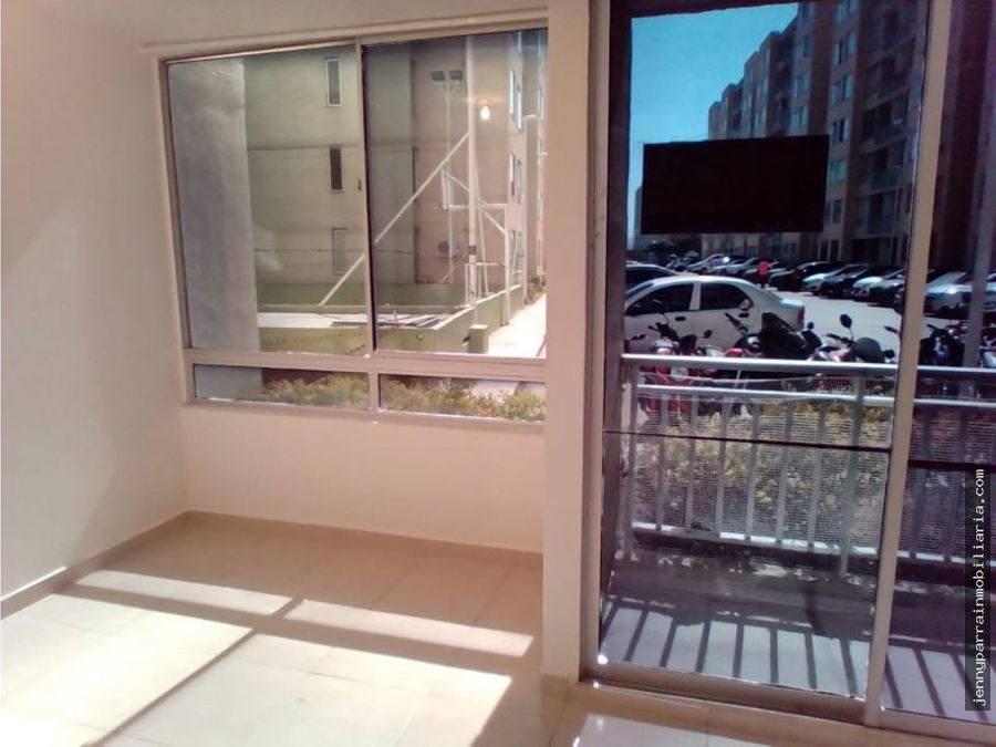 comodo apartamento en ciudad jardin cartagena