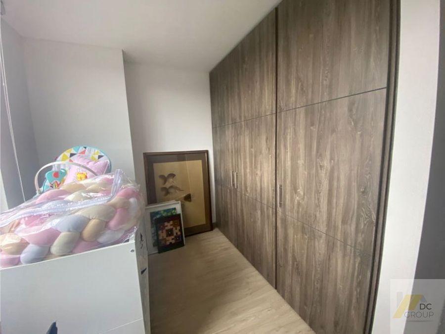 excelente apartamento esquinero ascensor