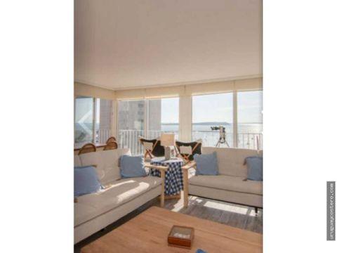 excelente apartamento frente al puerto en clasico edificio