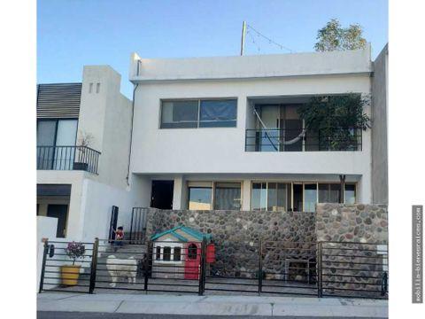 excelente oportunidad casa en renta zibata 14000