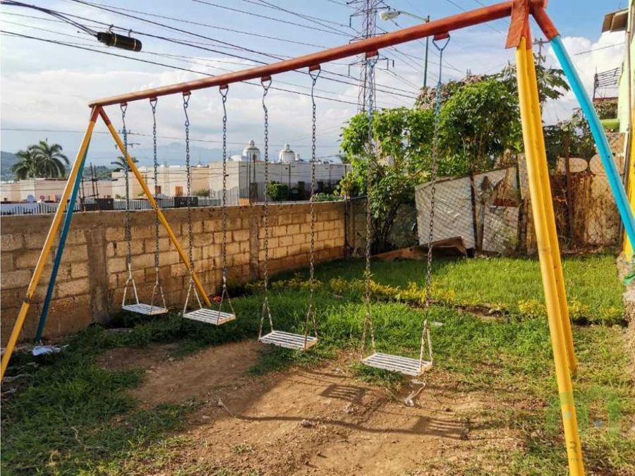 economica casa con jardin en xochitec morelos