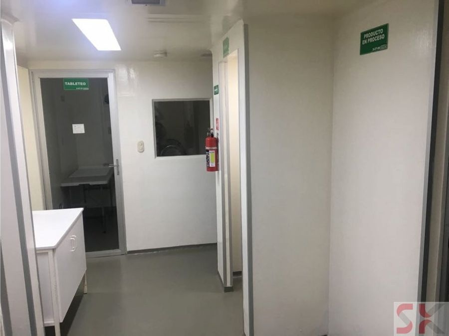 edificio en venta ideal para farmaceutica