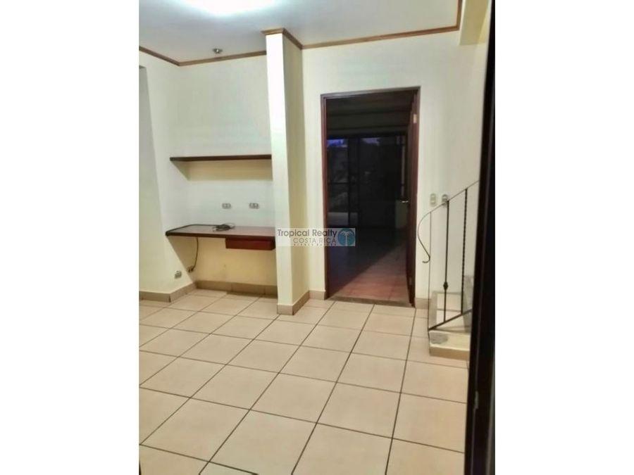 en condominio casa para alquiler ubicada en rio oro de santa ana
