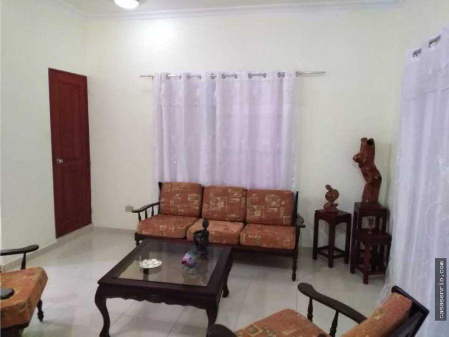 en renta apartamento de 3 habitaciones en la calle duarte rsj