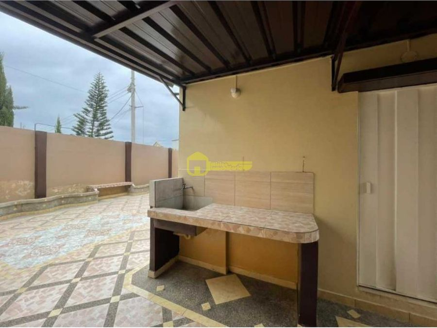 en renta casa de 3 habitaciones en urbanizacion privada