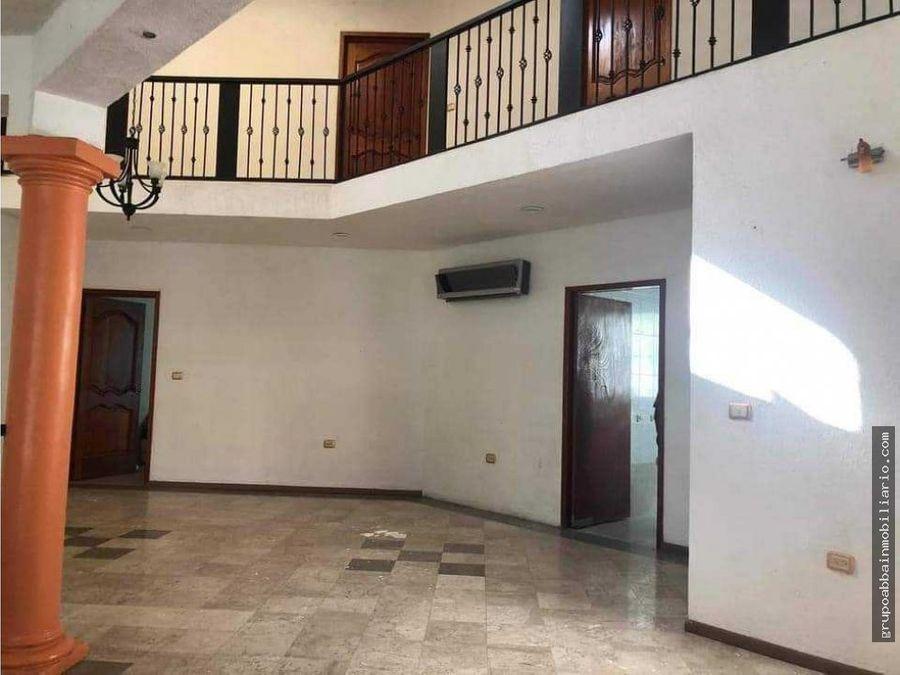 en renta casa en residencial real del angel