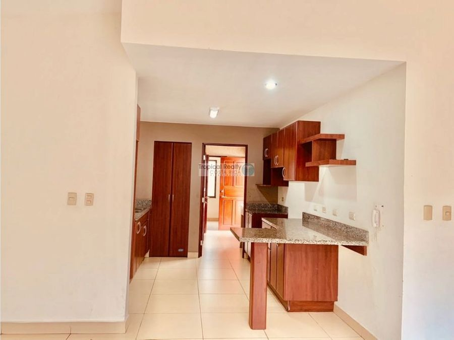 en residencial linda casa independiente para alquiler en rio oro