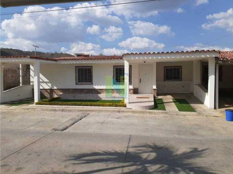 casa en venta en urb villas de yara