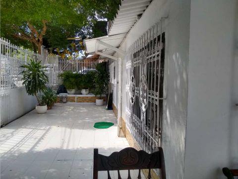 en venta casa en el tradicional barrio de blas de lezo