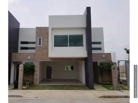 en venta casa en zona country cluster 9