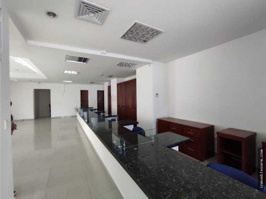 en venta edificio para uso institucional en el centro de armenia