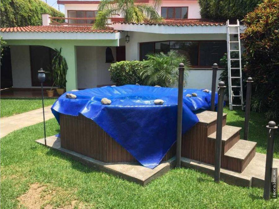 en venta hermosa casa en burgos con jardin y jacuzzi