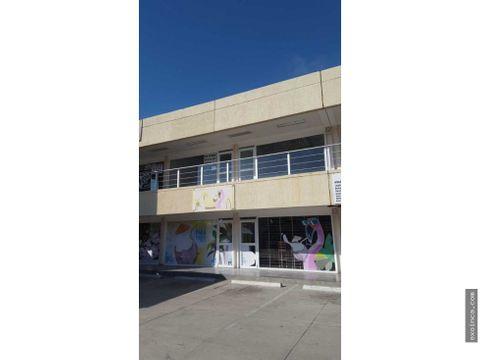 en venta local de 45 mts2 planta baja en paraparal plaza