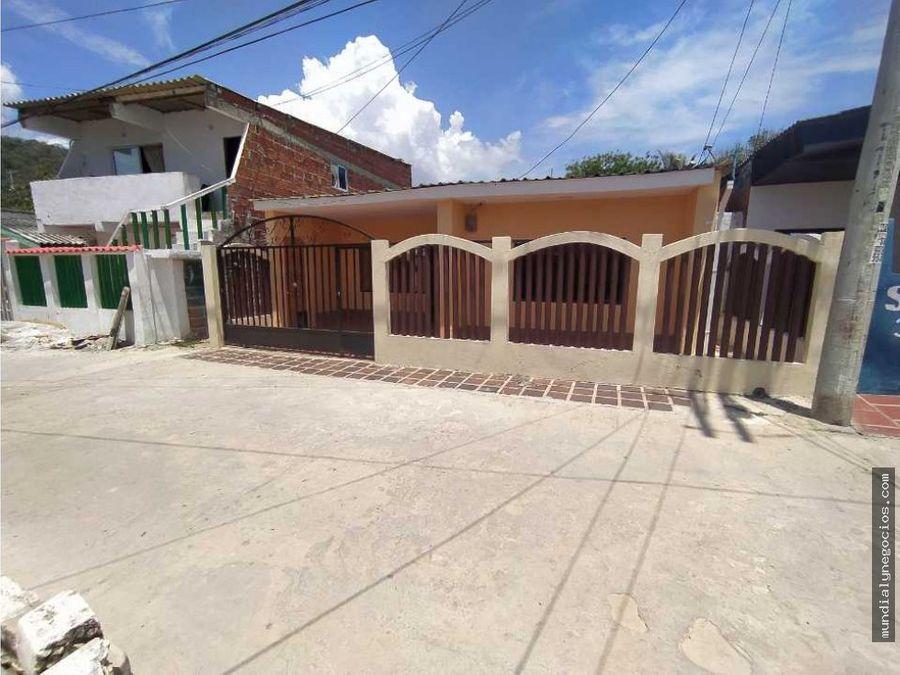 espectacular casa a una calle de la playa puerto colombia