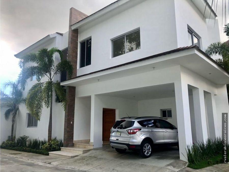 espectacular casa en residencial cuesta hermosa ii