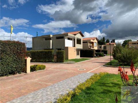 estrenar linda casa con amplia zona verde