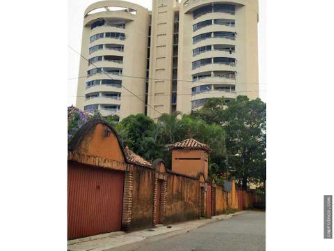 funcional apartamento en resd torres blancas suites el vinedo