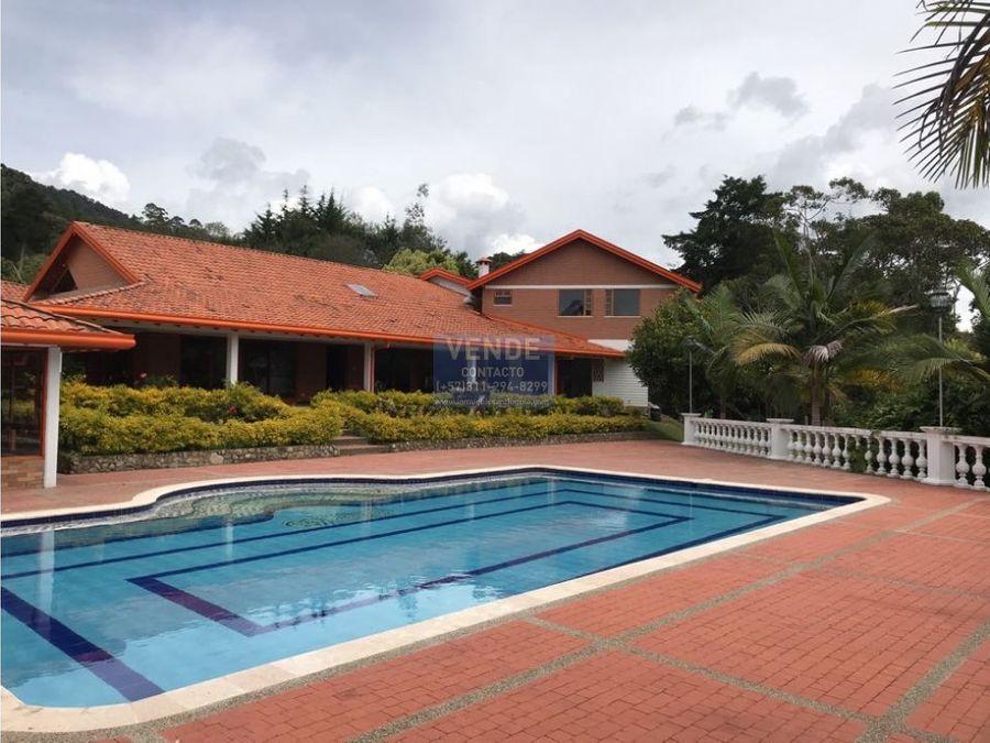 finca tradicional 9 habitaciones con piscina en condominio