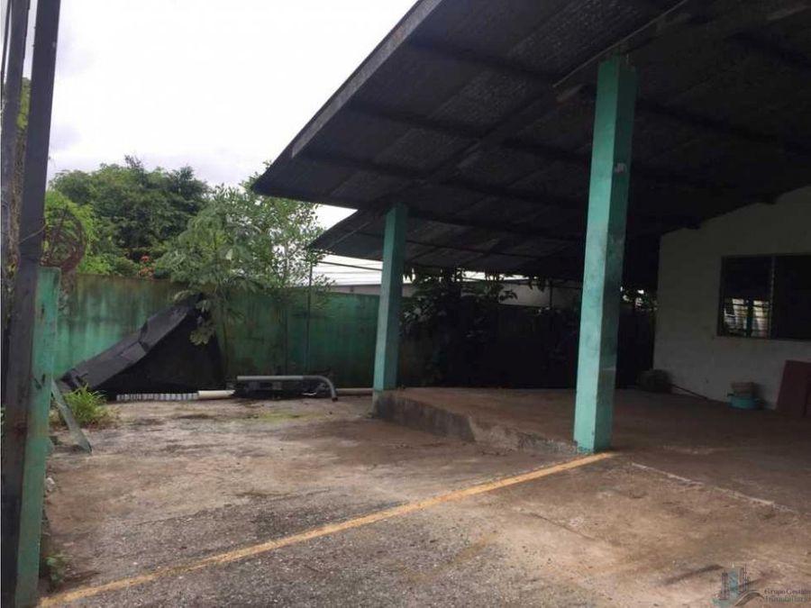 galera industrial con terreno y maquinaria 600mts