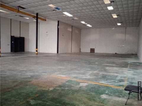 galpon 917 m2 castillito centro empresarial cerrado