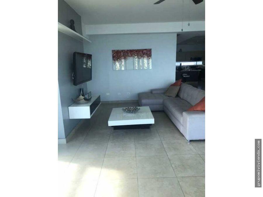 hermoso apartamento de dos niveles en avenida balboa ganga