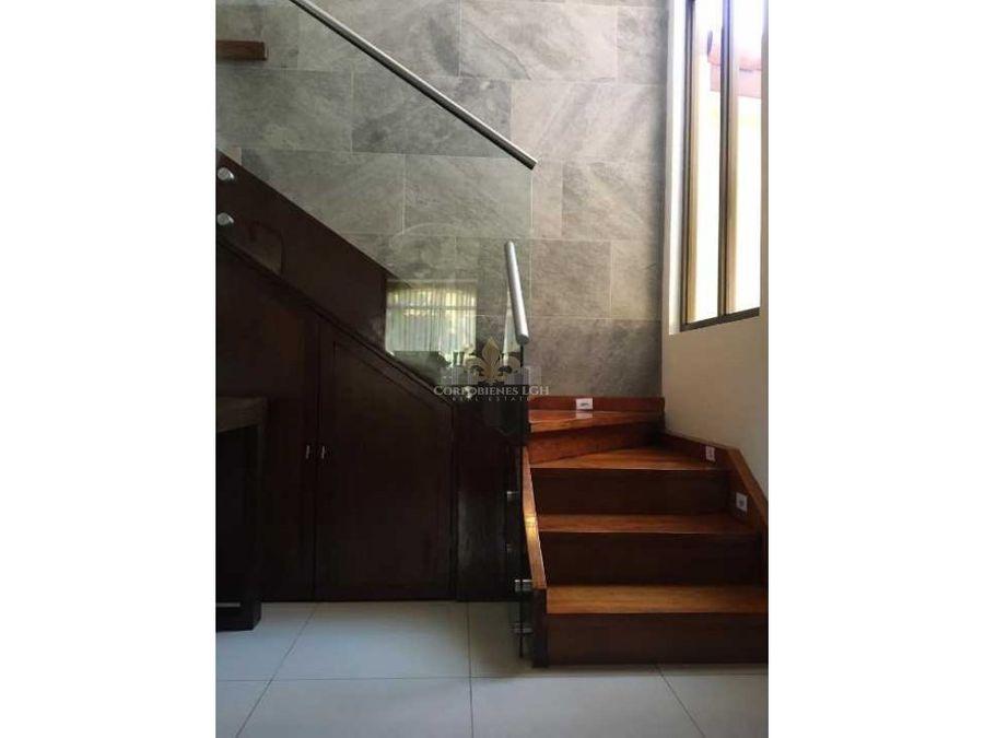 gran casa en lindora santa ana en exclusivo condominio