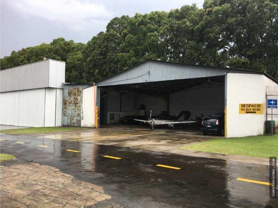 hangar del lado del aeroclub en venta 1