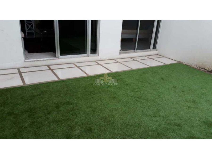 hermoso apartamento amueblado con terraza y jardin