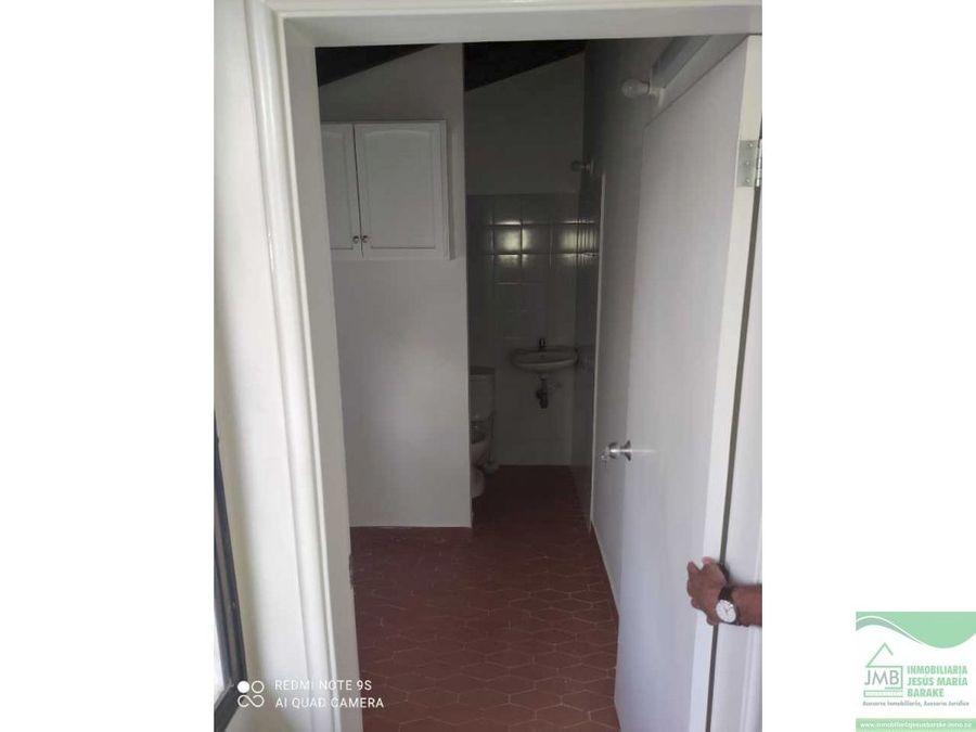 hermoso apartamento de 3 cuartos cerca cc viva