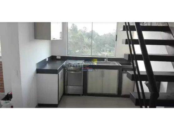hermoso apartamento duplex en marinilla de decimo piso con ascensor