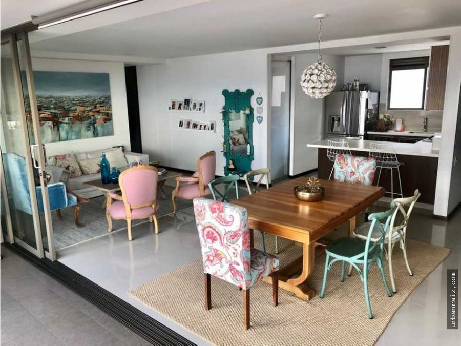hermoso apartamento en el poblado excelente distribucion amplio