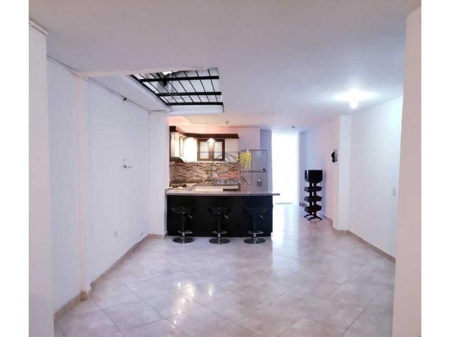 hermoso apartamento en sotano con buena iluminacion y patio abierto