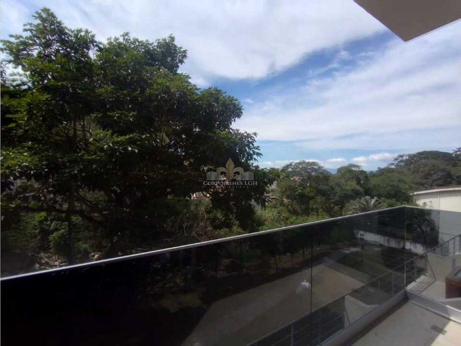 hermoso apartamento en santa ana con bella vista