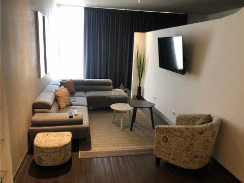hermoso apartamento moderno con terraza y jardin